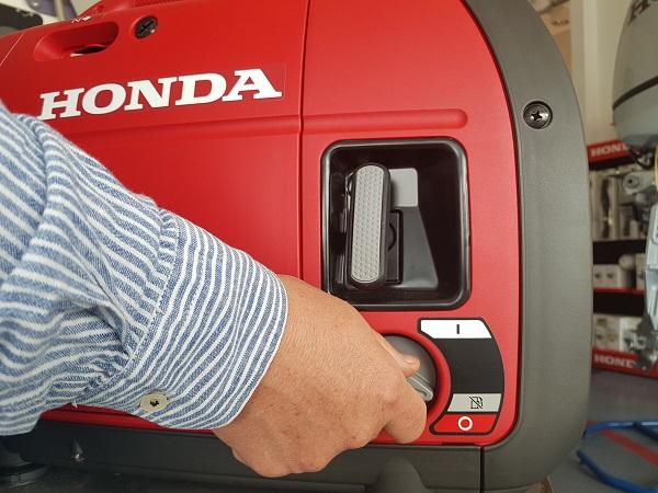 Agregat Honda EU 22i zawór paliwa