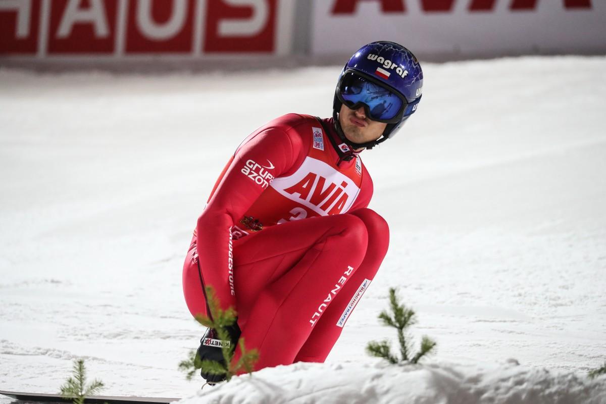 Skoczkowie wystartowali w konkursie Pucharu Świata w Niżnym Tagile po rz pierwszy ze znakiem Blachotrapez_fot. BLACHOTRAPEZ